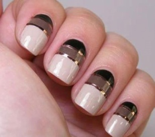 Glitzy glamorous nail art do it yourself manicures are a great fancy nail art designs solutioingenieria Images