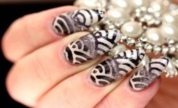 off-white-fancy-nail-art