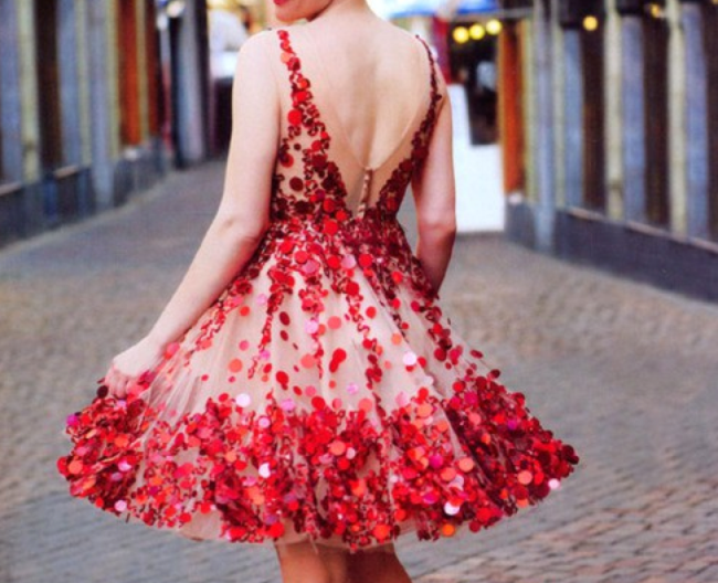 Women's-Valentine's-Day-dresses-and-outfits-Cute-Valentine's-Day-outfits-Women's-Valentine's-Day-clothing-07.png