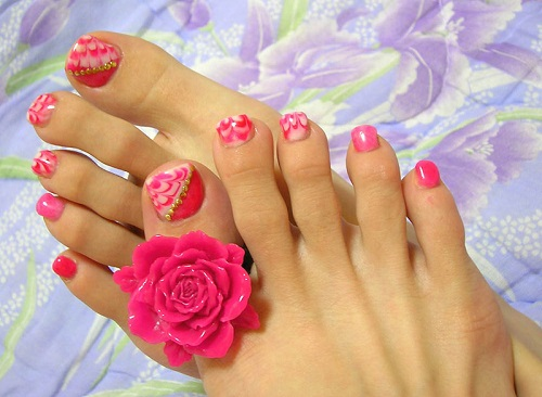 Pretty Pedicure Nail designs
