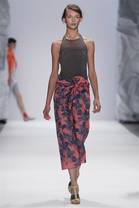 Sarong-Skirt-Runway